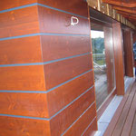 Einbau der Terrassenverkleidung im Dachgeschoss