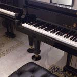 東京の自宅レッスン室の2台のグランドピアノ