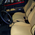 VW Caddy Pickup Softkunstleder gelb mit schwarzem Keder. Lenkradbezug mit Kontrastnaht