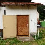 Die Türe hatte ich vor Jahren mal für wo anders hin gebaut. Nun hat sie einen bleibenden Ort gefunden :)