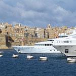 Luxusyachten vor Il-Birgu