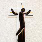 Kreuz aus Glas (Symbolfoto)