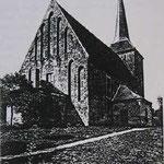 Kirche mit altem Spitzturm