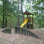 Spielplatz im Naturgarten