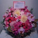 ピンク(Pink)のフラワーアレンジメント。東京都23区送料無料。目黒区からお届け。