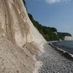 Zu Fuß erkunden wir die berühmten Kreisefelsen von Rügen