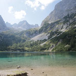 ... zum vielleicht schönsten See Tirols, den Seebensee.
