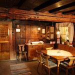 Dort übernachten wir im altehrwürdigen Krimmler Tauernhaus...