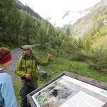 Zum Abschluß führt uns ein Nationalpark-Ranger ins Tal der Geier...