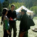 Jéjé de STOP OGM Pacifique rencontre Vandana Shiva