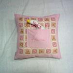 Cuscino con taschina personalizzata con oca curiosa