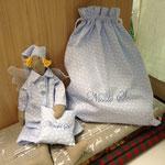 Particolare camera bimbi pupazzo angioletto della buonanotte e porta biancheria