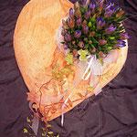 Herz aus Holz bepflanzt