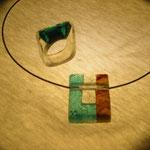 指輪とネックレス  フュージングガラス