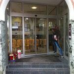 Der Eingangsbereich der Volksbank in Winnweiler