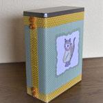 Vorratsdose für Katzenfutter mit Stempelmotiv Katze
