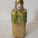 Dekorierte Flasche eckig gold mit Anhänger