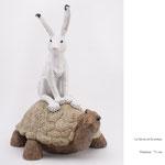 Lièvre et tortue, céramique, Valérie Courtet, h 71 cm (sur commande)