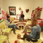 Ateliers pratiques d'utilisation des fils teints avec la cochenille