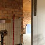 Blick durch die neue Tür in die Küche