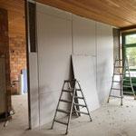 neue Wand zur Küche hin. Links wird sich die neue Tür zur Küche befinden.