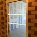 Schulleiterbüro: Betreten verboten! Der Unterlagsboden ist ganz frisch