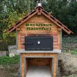 Backhaus Holzbackofen Steinbackofen Gewölbeofen Pizzaofen Gartenbackhaus