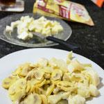 Cogumelos Paris, palmito e queijo picados