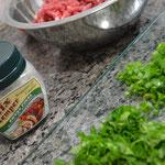 Usamos sal com ervas finas para temperar