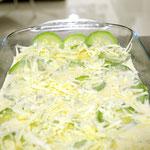 Salpique queijo minas em cima para gratinar.