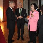 Der deutsche Botschafter in Südkorea, Rolf Mafael, lud anlässlich der Unterzeichnung der Absichtserklärung zu einem Abendessen ein.