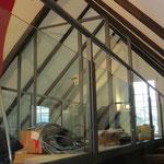Geländer und Trennwand im Dachgeschoss wurden verglast