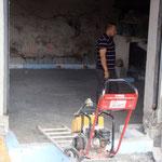 Boden der Schmitte wurde nach der Isolierung mit Beton gegossen