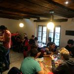 Bei 19 Personen stösst der Jugendtreff erstmals an seine Grenzen bei einem Mittgessen