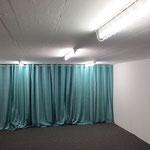 Der Vorhang muss noch um einen halben Meter gekürzt werden