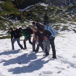 Durch den 10 - 50cm tiefen Schnee