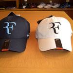 RF キャップ 左(ネイビー)は完売です。右(ホワイト)のみの販売です。