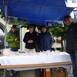 Käseverkauf von Lionsmitgliedern