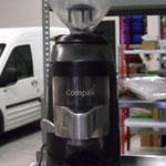 2 MANO - MOLINILLO DE CAFE. PRECIO: 181,50 € IVA incluido ( En el precio no esta incluido el porte)