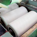 セラミック製の3本ロールミル