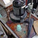 採取した絵具の粘度を検査