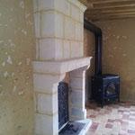 Poêle Dutchwest 2462 branché sur le manteau de la cheminée paysanne (image)