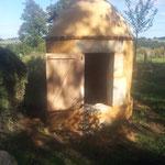 Dôme du puit enduit et lisé au mortier de chaux hydraulique (photo)