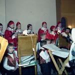 Подготовка к первой Божественной литургии 9 января 2004 года в храме-на-Крови.