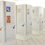 Folierung Ausstellungssäulen, Werbetechnik