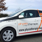 Moderne Fahrzeugbeklebung Physiotherapie Heger, Kleinwagen, Autobeschriftung, PKW-Beklebung, Autowerbung