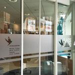 Fensterbeklebung, Glasdekorfolie Mattglas, Beschriftung, Schaufenster, Werbetechnik