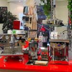 ECM Controvento mit Mazzer Mini Mahlwerk, rechts Gilda Kaffeemaschine aus Luzern