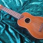 Koga Ukulele(古賀ギター)東京弦楽器製作所?