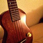 T's EC-100(Solid ukulele)   http://www.ukes.jp/